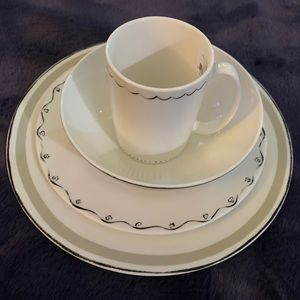 Taupe place set